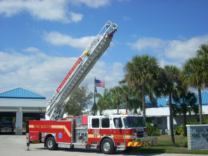 Aerial Platform Truck with 100-foot ladder